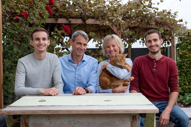 Familie Berger mit Katze